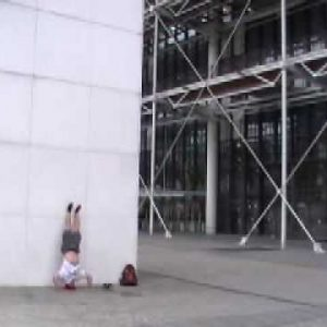 Handstand Pushups in France